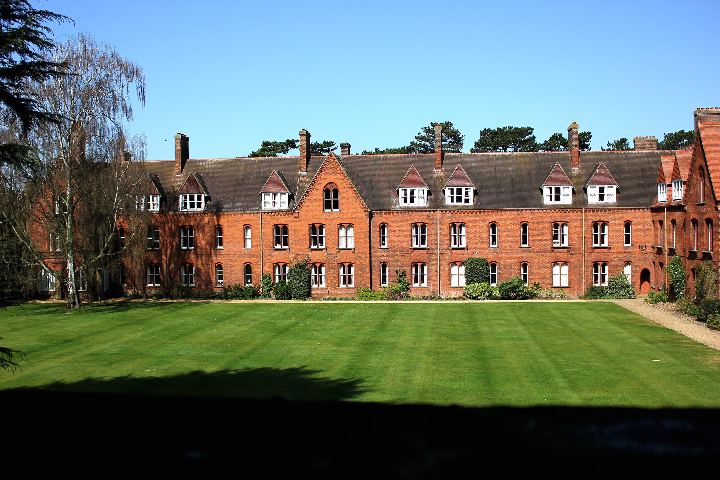 girton_college_resized.jpg