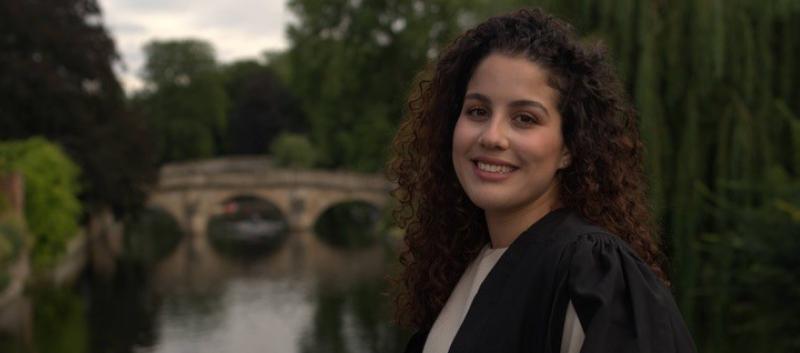 Yomna Zentani, Rowan Williams Cambridge Scholar, studies for an LLM (Master of Law). (Image © Simone Eringfeld)