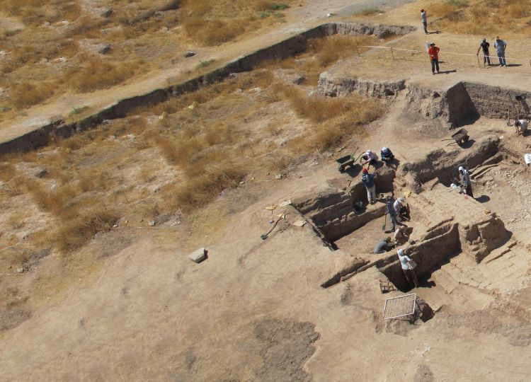 Excavating in the Bronze Palace