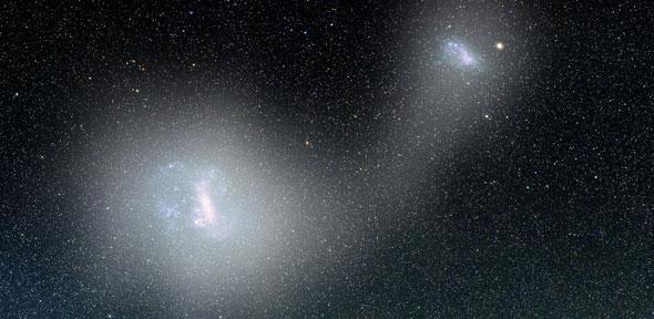 Bro af stjerner mellem de magellanske skyer