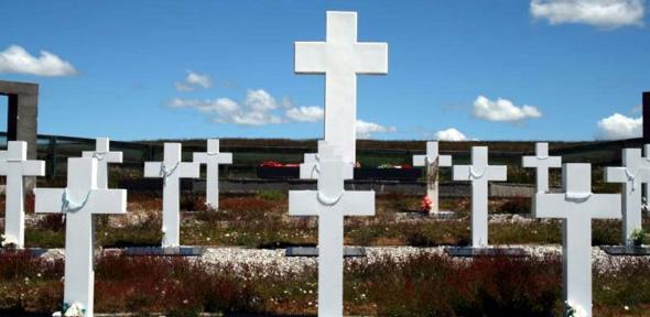 Argentinian graves in East Falkland. While soldiers were often characterized as victims of the junta in the war's immediate aftermath, they are now seen by many as patriots who died for a righteous cause.