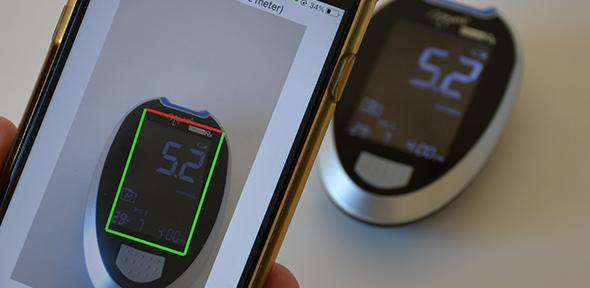 Reading diabetes monitor