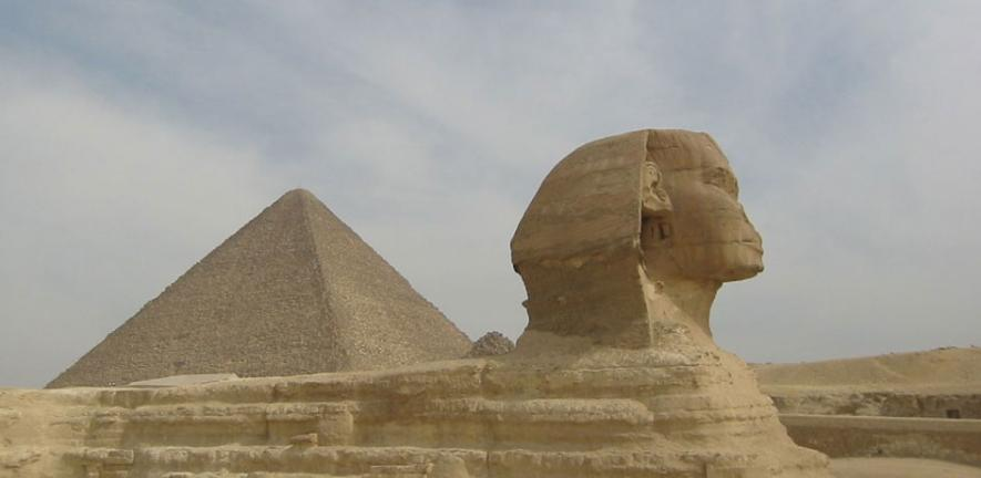 Sphinx of Giza (2005-05-290)