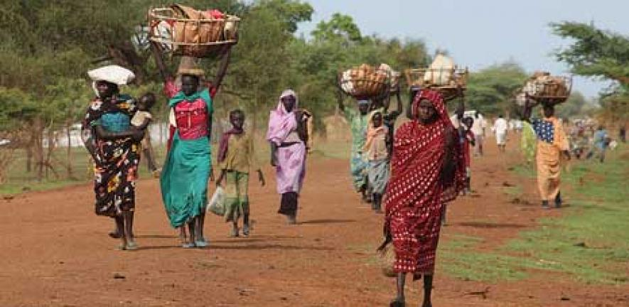 Women and children flee South Sudan