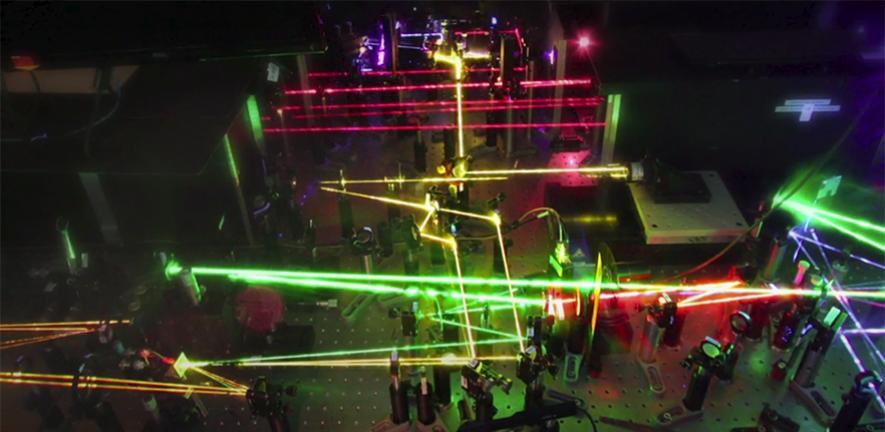 Laboratory setup with lasers